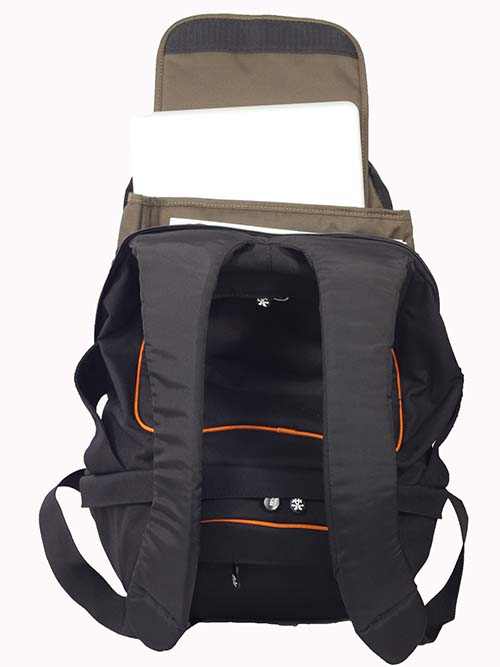 Balo-Crumpler-Puppet-Half-Photo3