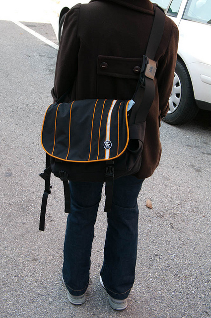 Crumpler-Sticky-Date-Stripe-Laptop