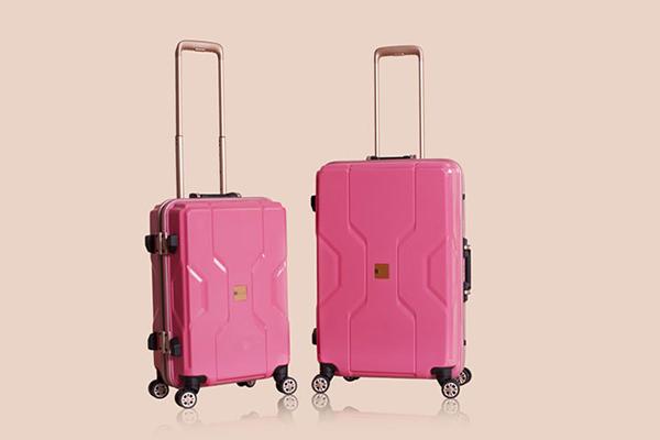 5 mẫu vali kéo thời thượng bạn nên sắm cho năm nay 5