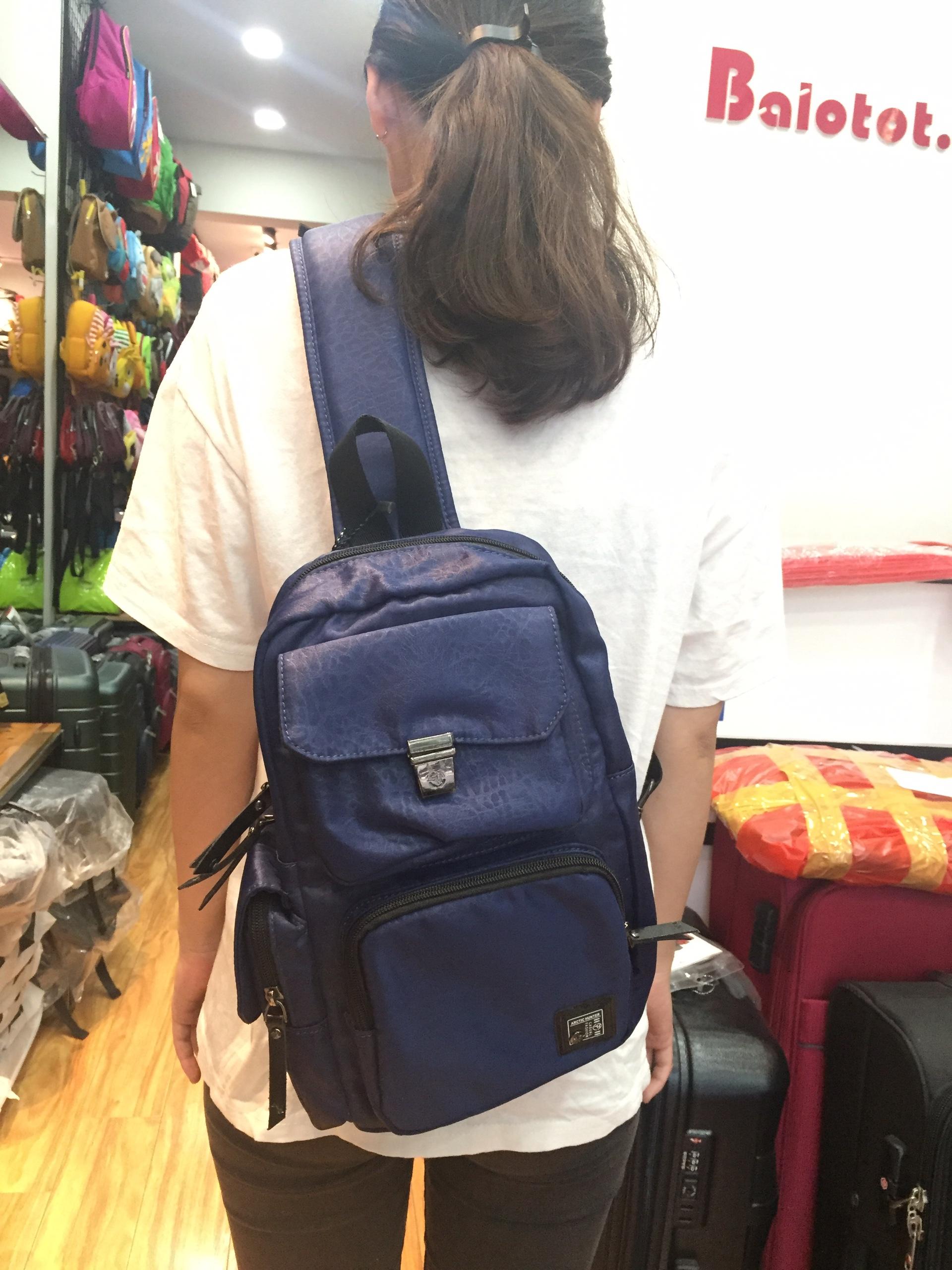 Balo đeo chéo hộp Arctic Hunter đa năng 8