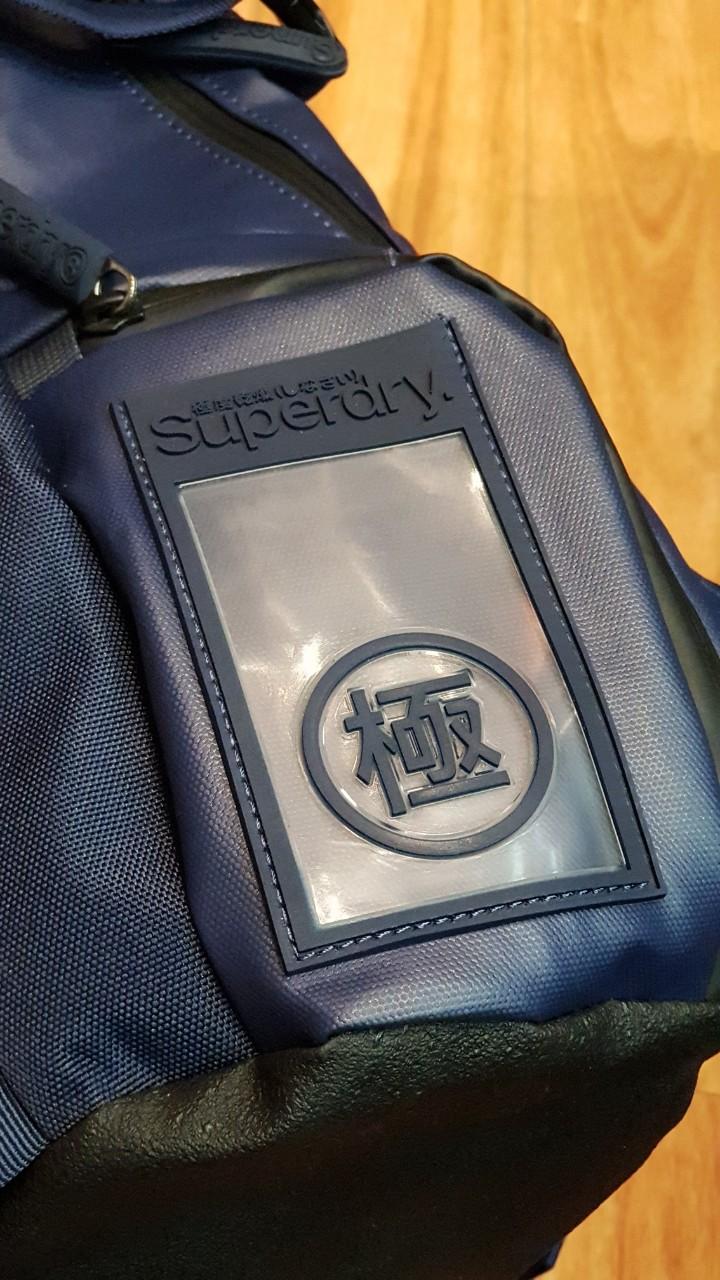 Balo Superdry Buff Tarp thiết kế ấn tượng, tinh tế 4
