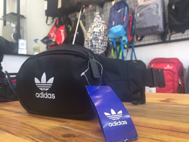 Túi đeo chéo bao tử Adidas DW8885 item khiến giới trẻ phát sốt 4