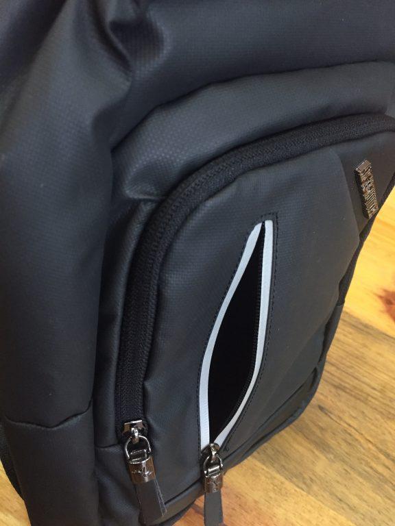 Balo đeo chéo 1 quai Arctic Hunter USB siêu chất 2