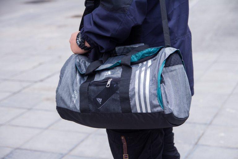 Túi xách du lịch cho ngày về quê thật dễ dàng 1