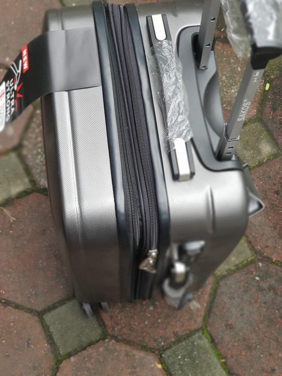 Bạn biết gì về mẫu vali Sakos Racer z22 xịn sò nhà Balotot.com 5