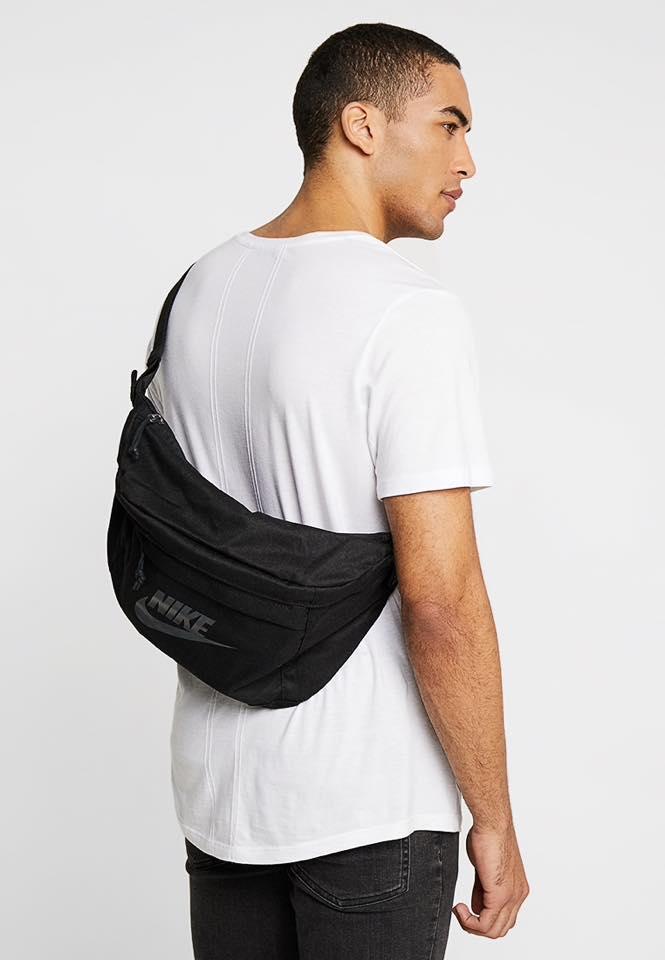 Túi balo đeo chéo Nike Hip Pack