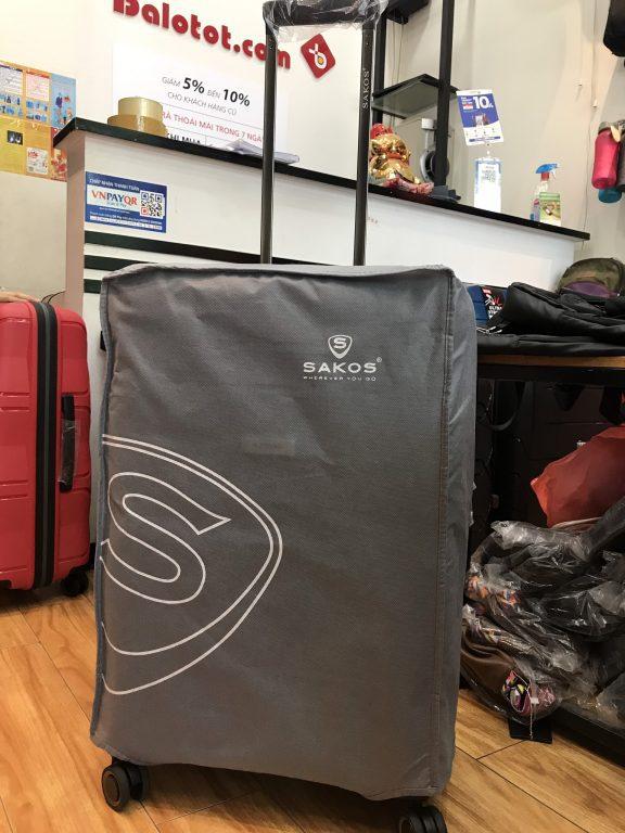 Bật mí cách vệ sinh vali kéo chất liệu vải đúng cách! 2