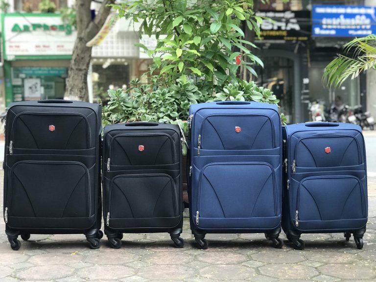 Bật mí cách vệ sinh vali kéo chất liệu vải đúng cách! 1