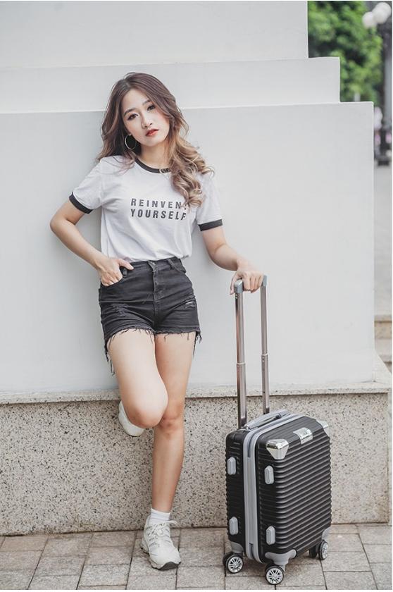 Du lịch cá nhân không thể thiếu vali kéo Hùng Phát VHP883 cỡ nhỏ 2
