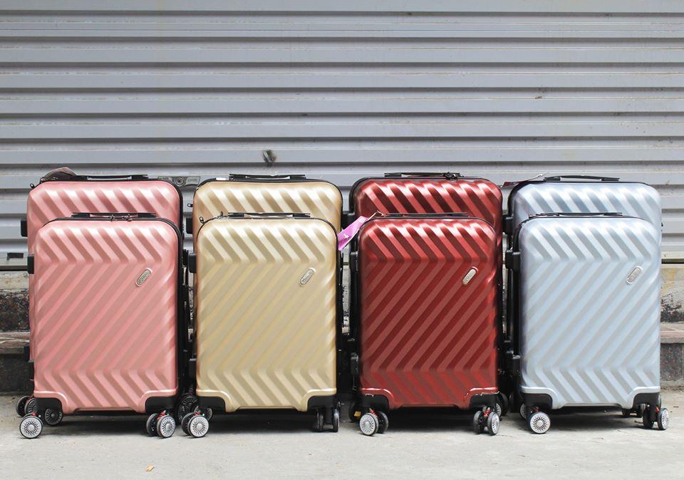 Vali kéo Travel King 911 phụ kiện cần thiết cho chuyến du lịch hè 2