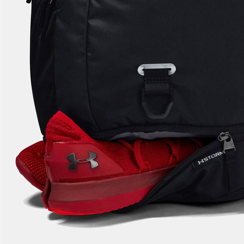 Điểm mặt 3 mẫu balo thể thao tích hợp ngăn đựng giày riêng tiện lợi. 4