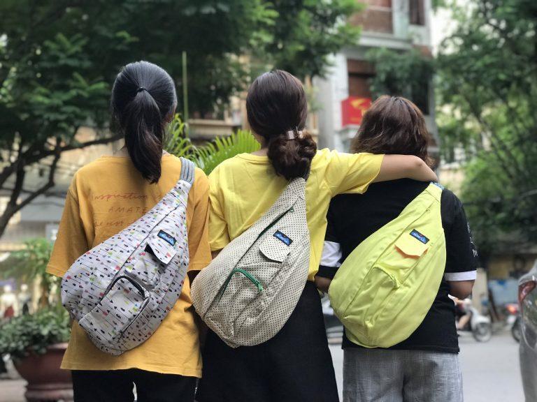 3 mẫu balo đeo chéo cỡ to cho bạn thoải mái đựng đồ 4