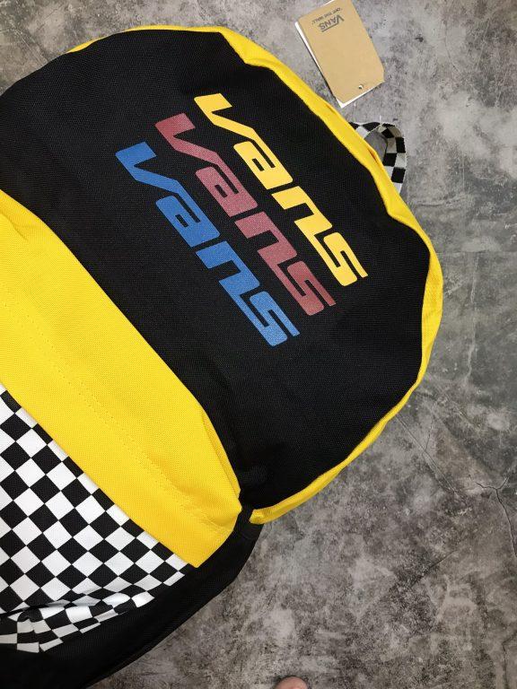 Top 3 mẫu balo Vans bán chạy nhất tại Balotot.com 9