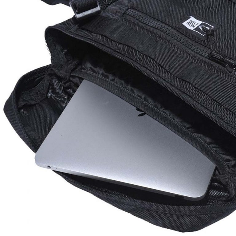 Điểm mặt hai mẫu túi đeo chéo hot hit mới lên kệ nhà balotot.com 3